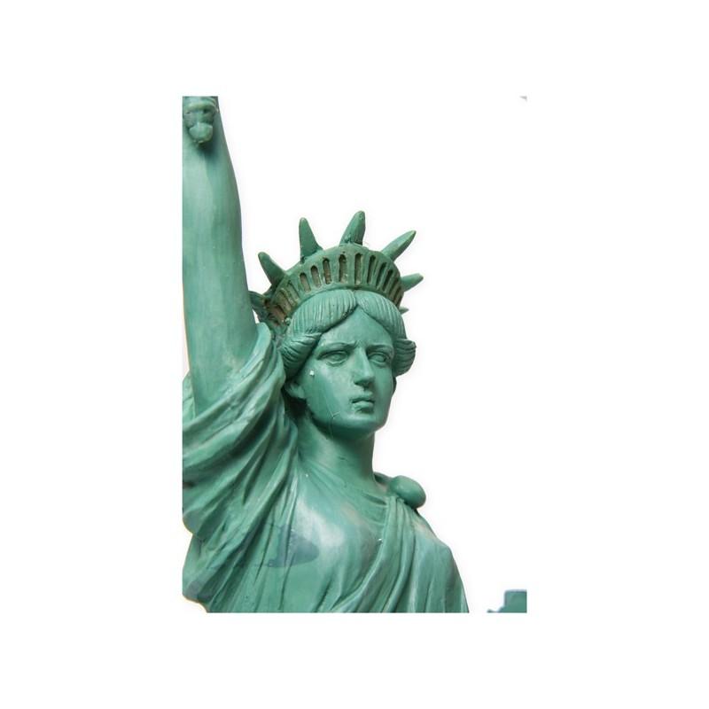 Statue de la libert r sine haut 39cm d cors du monde for Createur statue de la liberte