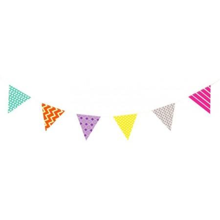 Guirlande graphique multicolore - 12 fanions à motifs 14x15 cm - papier / 2,5m